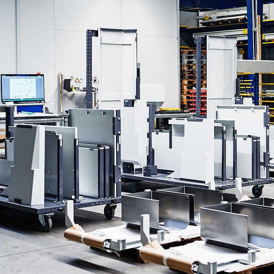 Montagewagen im Leistungsbereich Baugruppen - King GmbH Blechverarbeitung in Fluorn-Winzeln